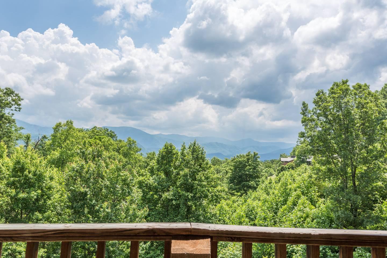 Apartment Amazing Views GSMNP 3 5 Miles 2 DwTn Gat Hot Tub photo 16950986