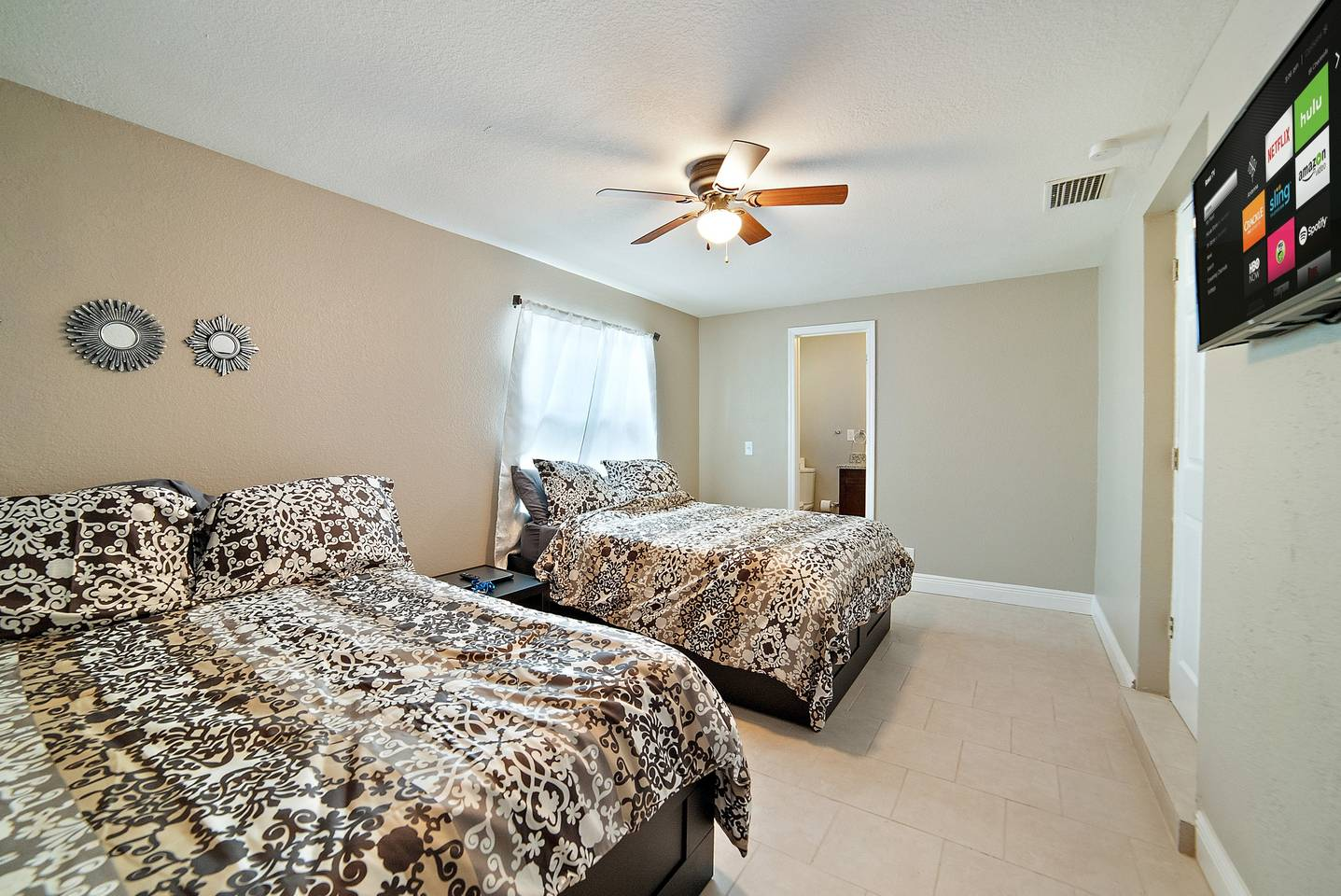 Apartment  1 Short Term Rental in Down Town Tampa photo 19246283