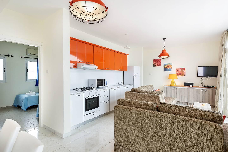 Joya Cyprus Mandarin Penthouse Lux Apartment photo 19288244
