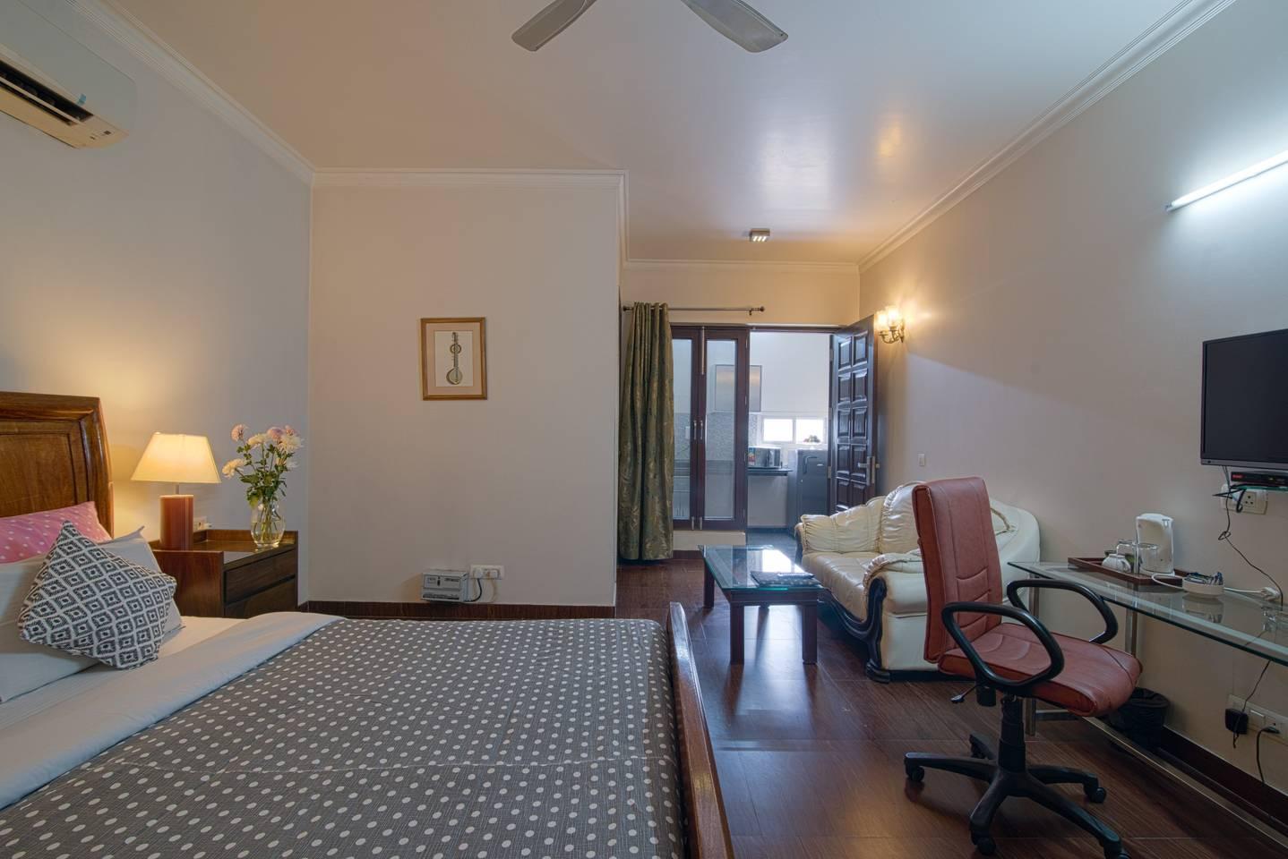 Studio Apartment w kitchen @ Central Gurugram photo 19223013
