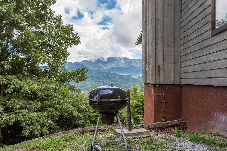 Apartment Hilltop Cabin With Smoky Mountain Views In Gatlinburg photo 28171287