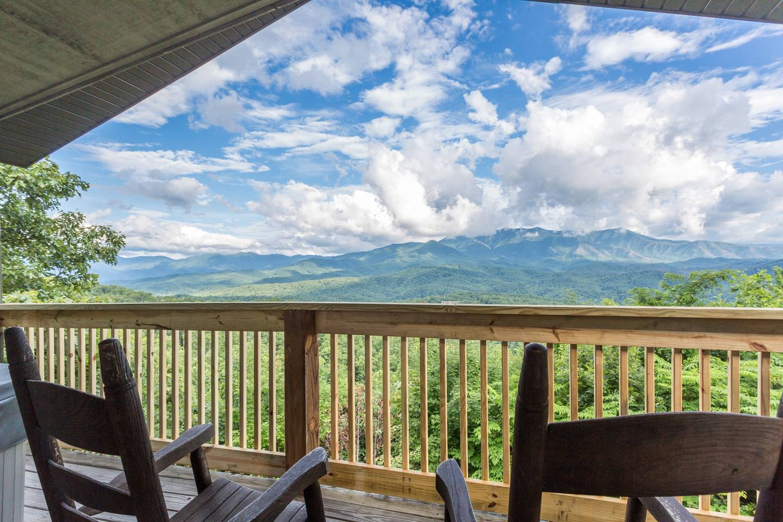 Apartment Hilltop Cabin With Smoky Mountain Views In Gatlinburg photo 28171286