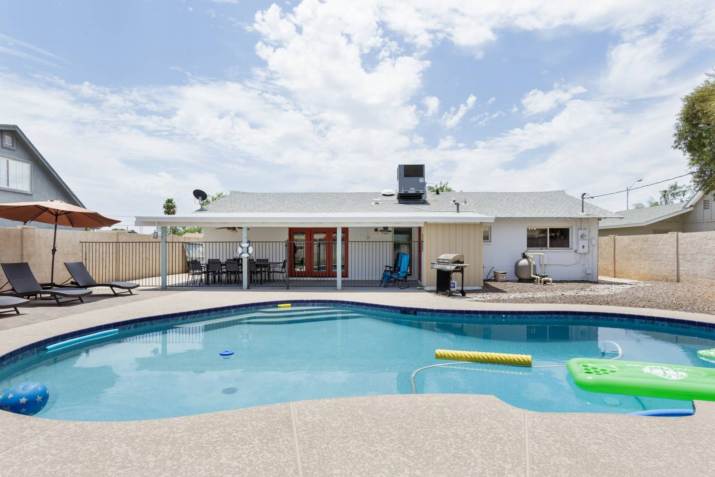 Epic Family Style Home near Old Town with Pool photo 5629300