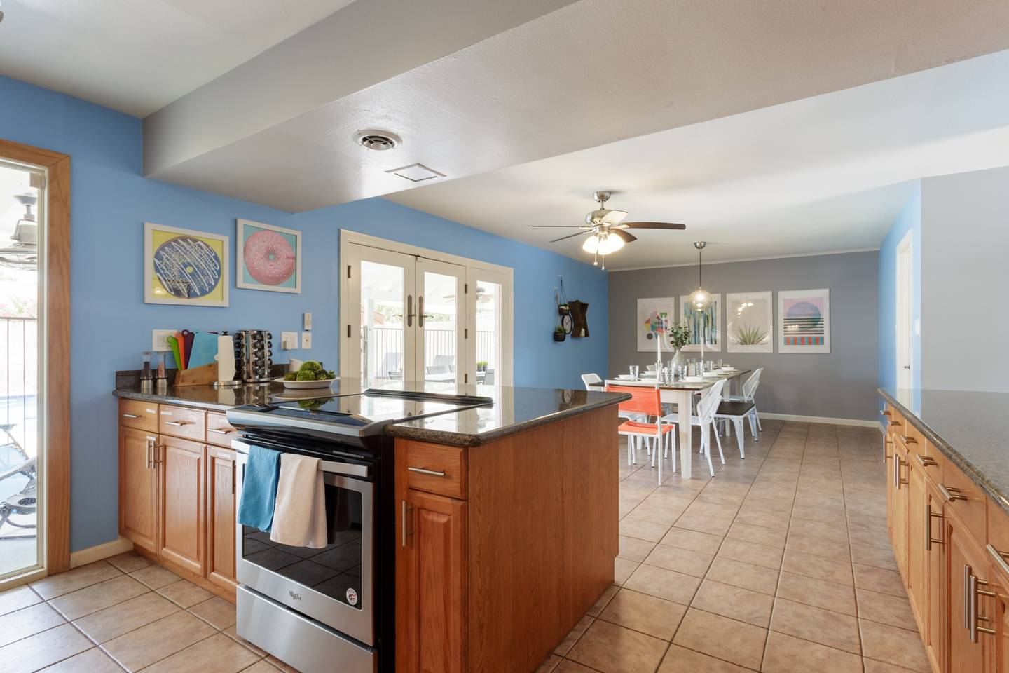 Apartment Epic Family Style Home near Old Town with Pool photo 19571483