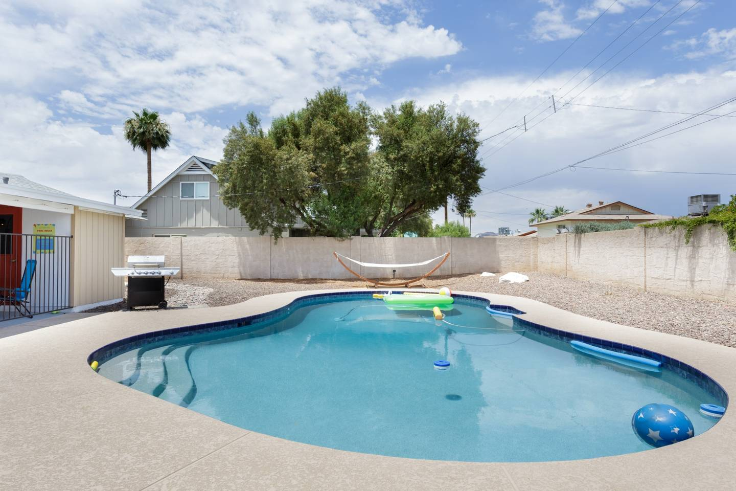 Apartment Epic Family Style Home near Old Town with Pool photo 19504666