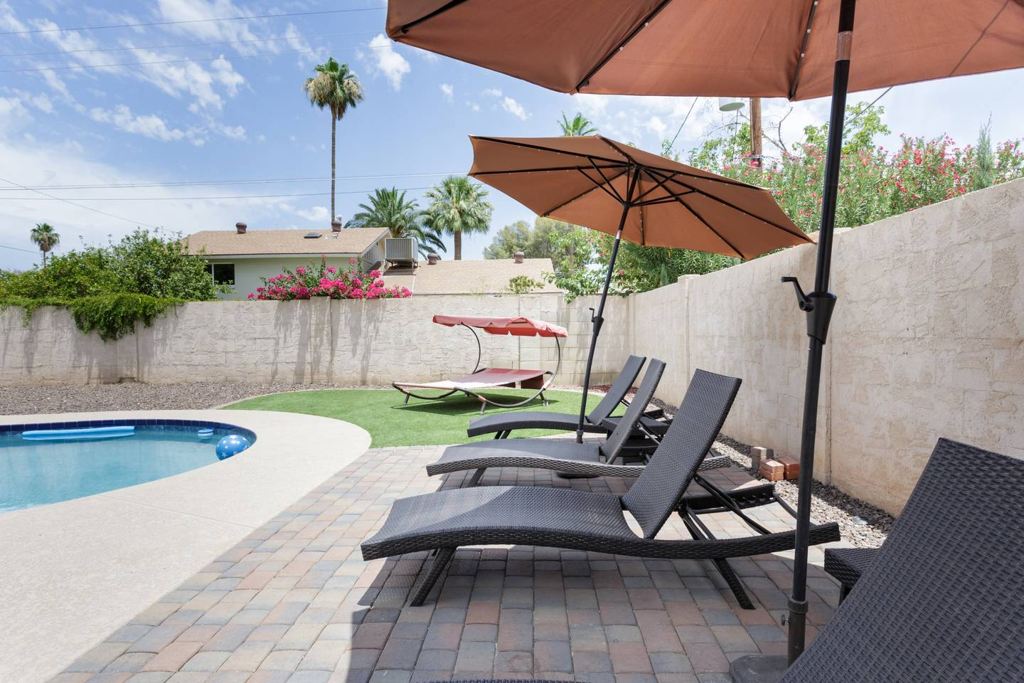 Apartment Epic Family Style Home near Old Town with Pool photo 19424472