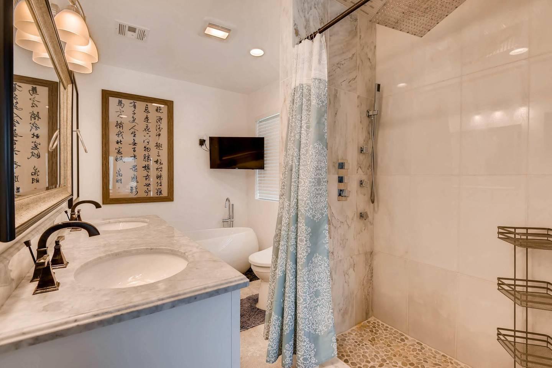 Apartment 7BD 5BA Mansion w  Lazy River Hot Tub Sleeps 26 photo 17037121