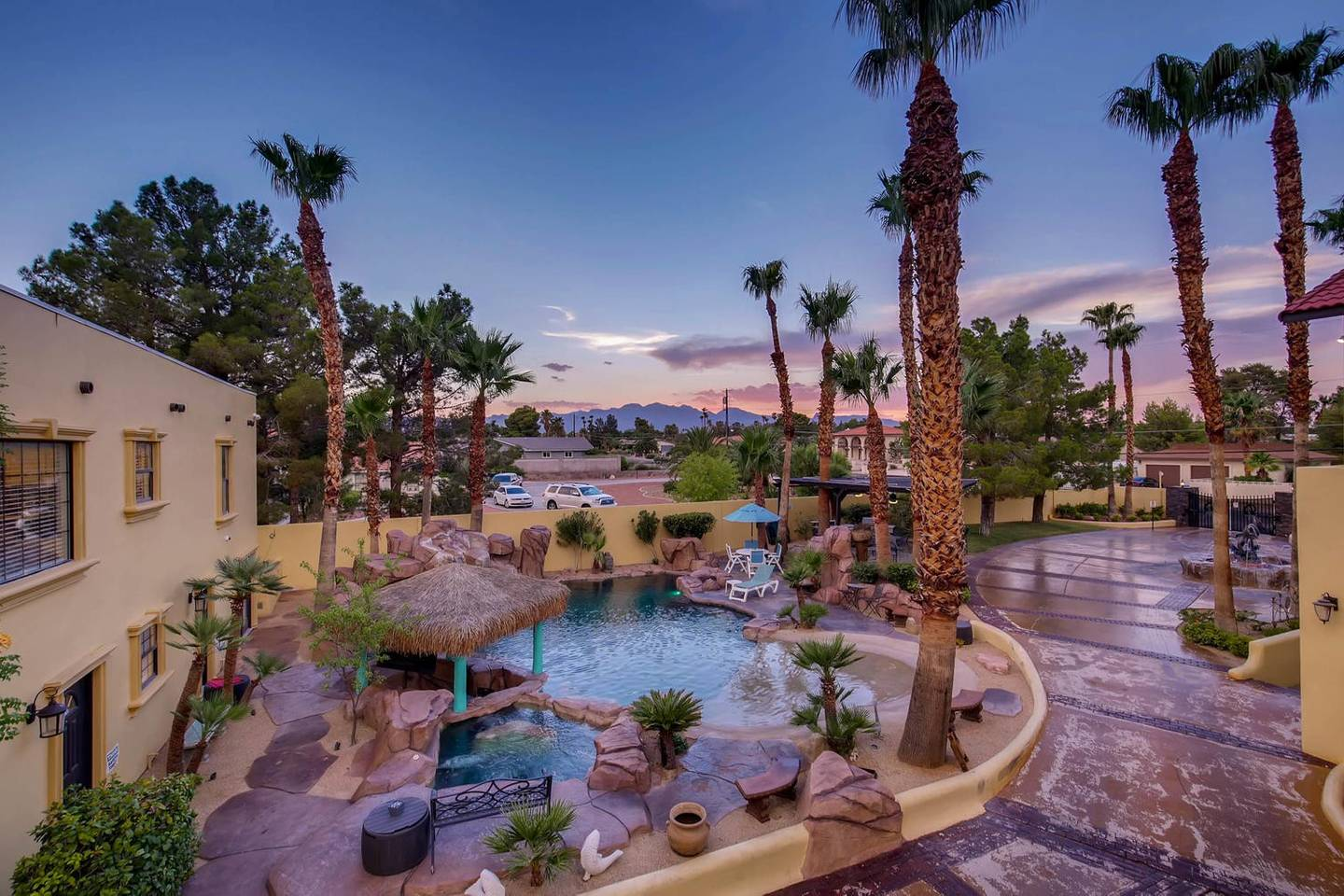12Bd 13Ba Private Resort, One Of A Kind. photo 16033993