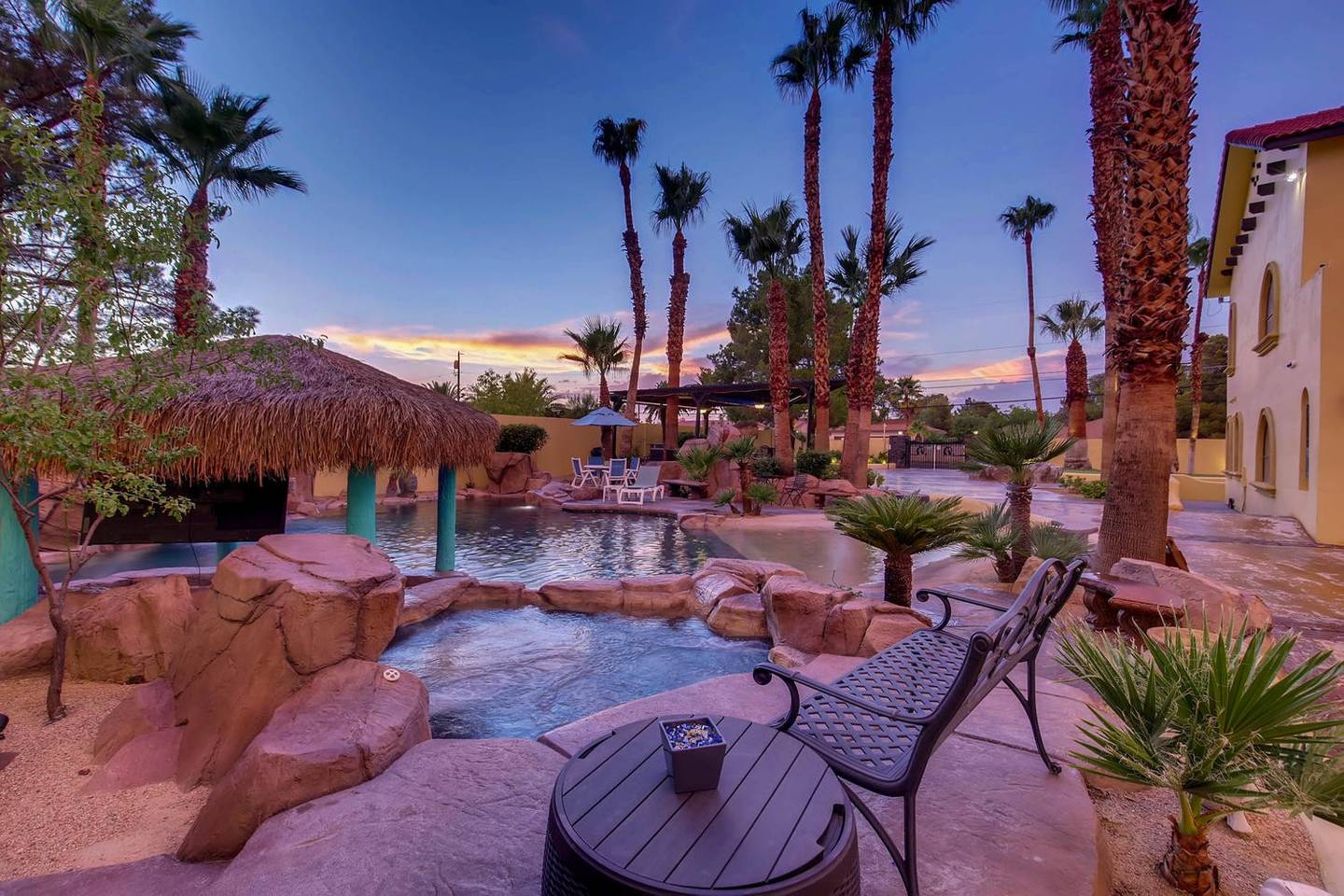 12Bd 13Ba Private Resort, One Of A Kind. photo 16033991
