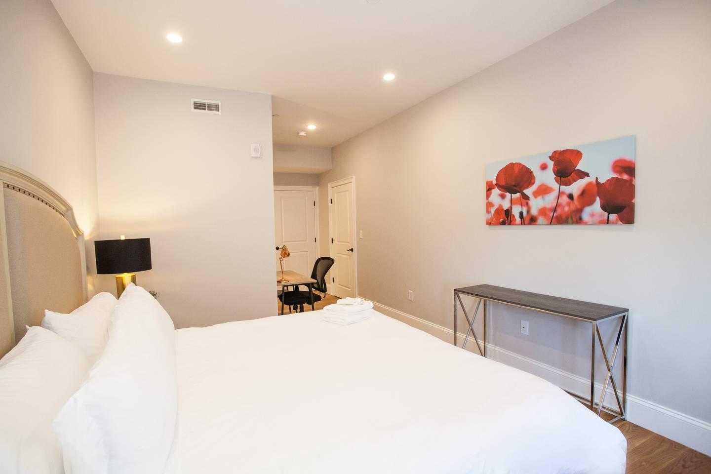 Affluent 3 Bedroom 3 Bath Condo Downtown Boston photo 16148423
