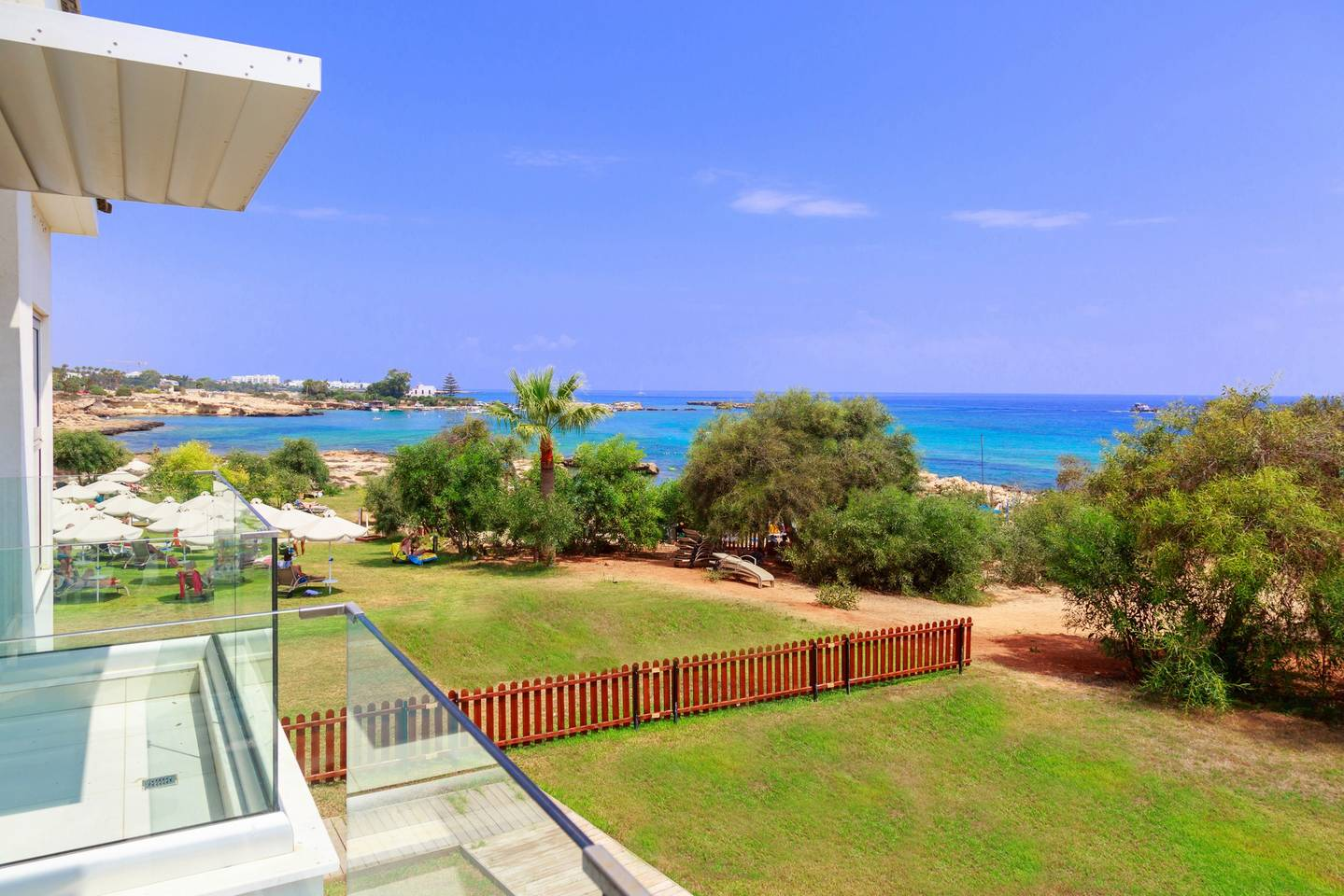 Apartment 2 Bed Luxury Apt with Large Communal Pool A1-101 photo 25674978