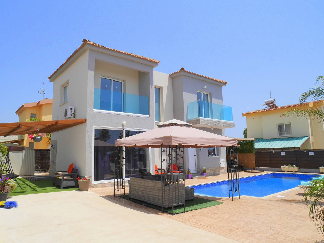 Apartment Luxury 4 Bedroom Villa with Walk-In Private Pool photo 18409746
