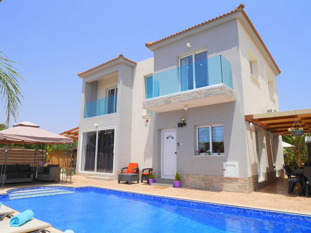 Luxury 4 Bedroom Villa with Walk-In Private Pool photo 18317053