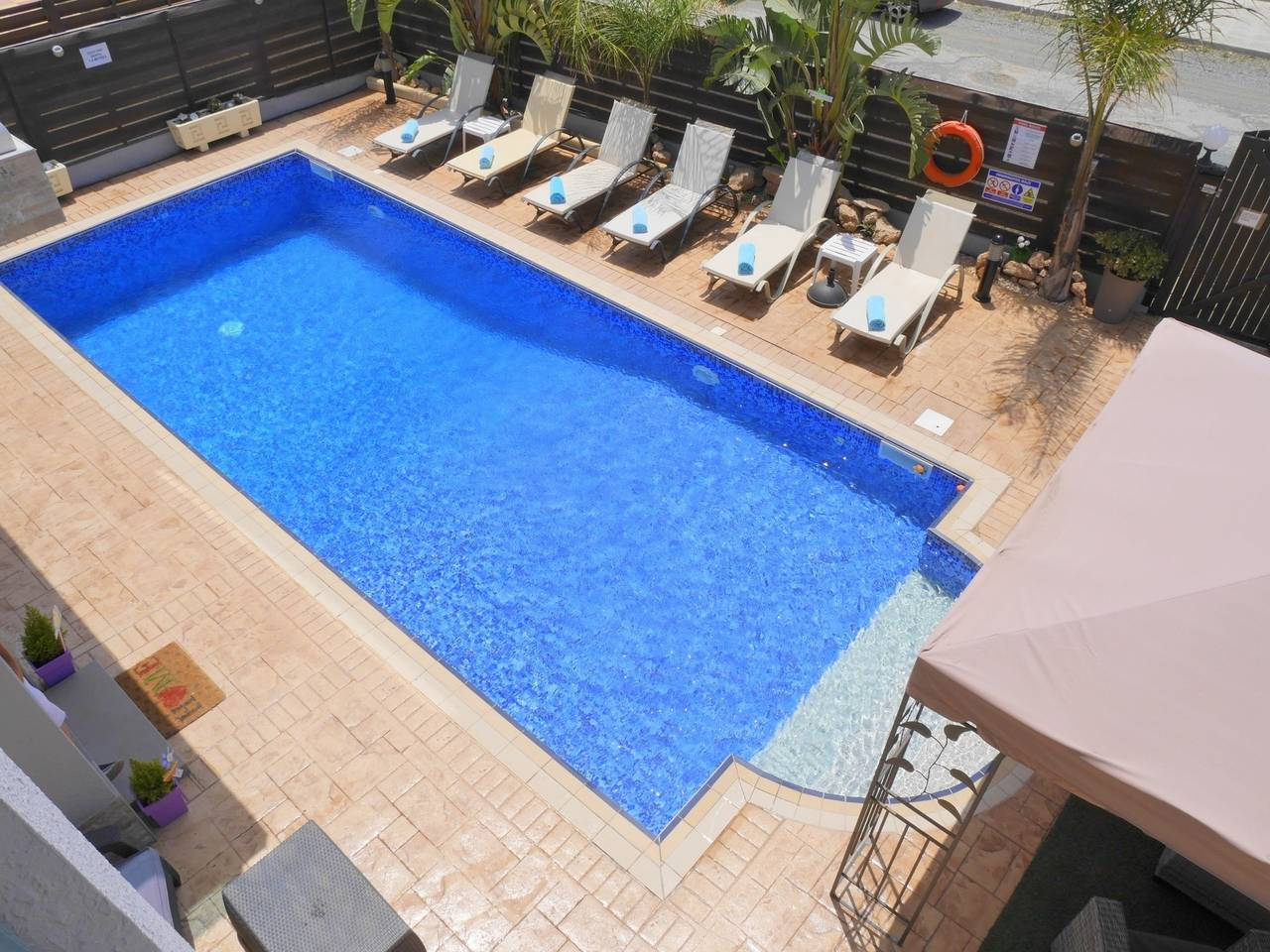 Apartment Luxury 4 Bedroom Villa with Walk-In Private Pool photo 18098908