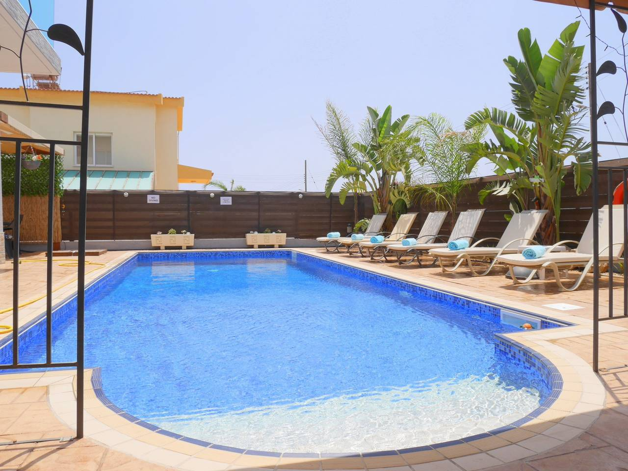 Apartment Luxury 4 Bedroom Villa with Walk-In Private Pool photo 18409752
