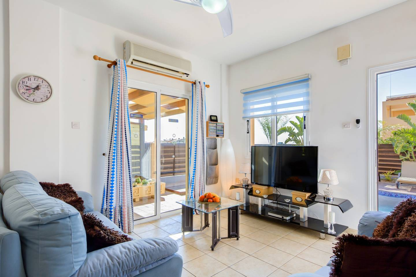 Apartment Luxury 4 Bedroom Villa with Walk-In Private Pool photo 18409764