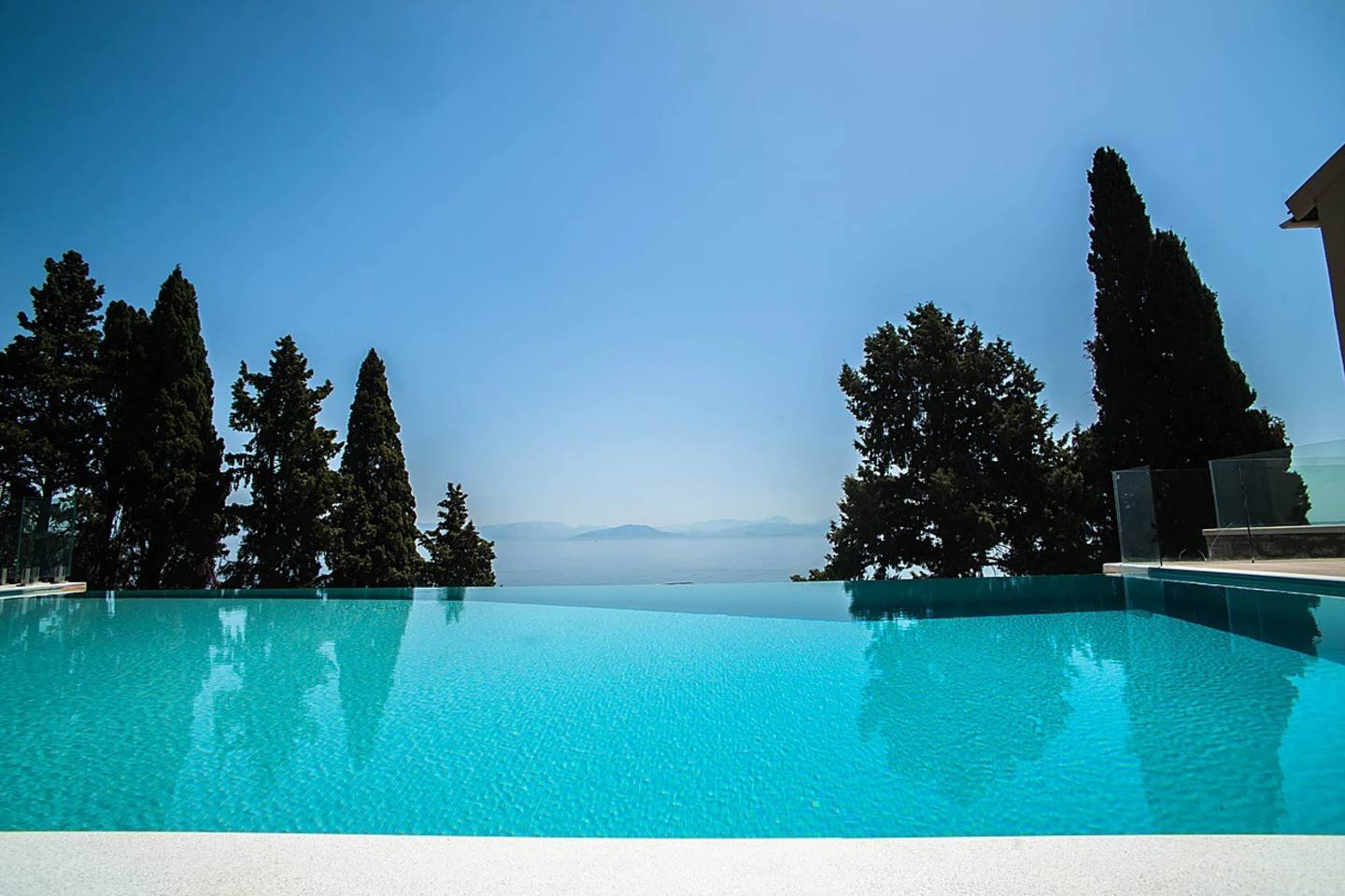 Luxurious large vila with a private beach photo 25610158