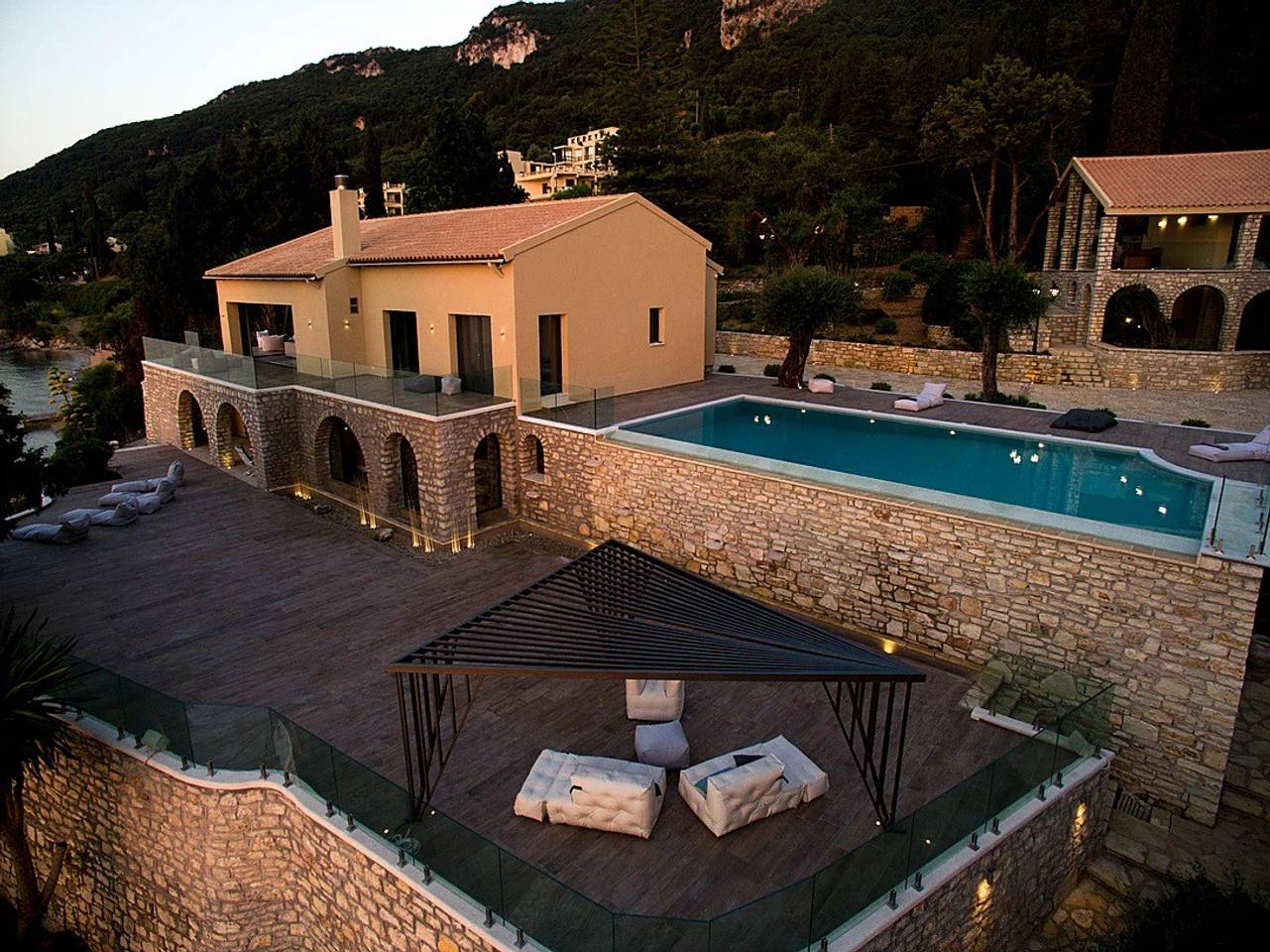 Apartment Luxurious large vila with a private beach photo 25610164