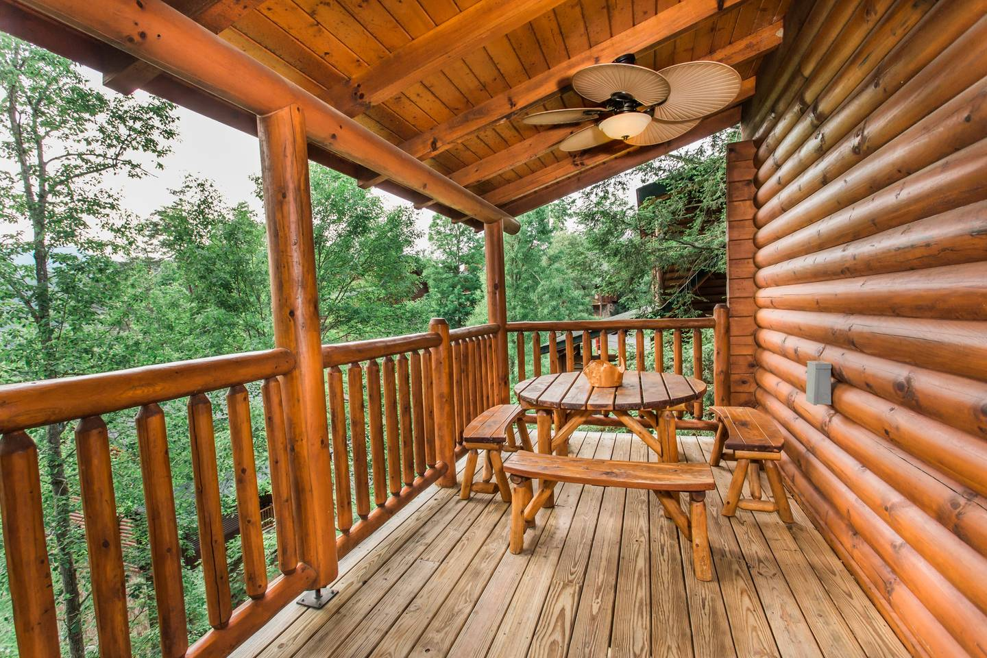 Apartment 10 Min 2 Pigeon Forge Pkwy Gorgeous Cabin Hot Tub photo 16982569