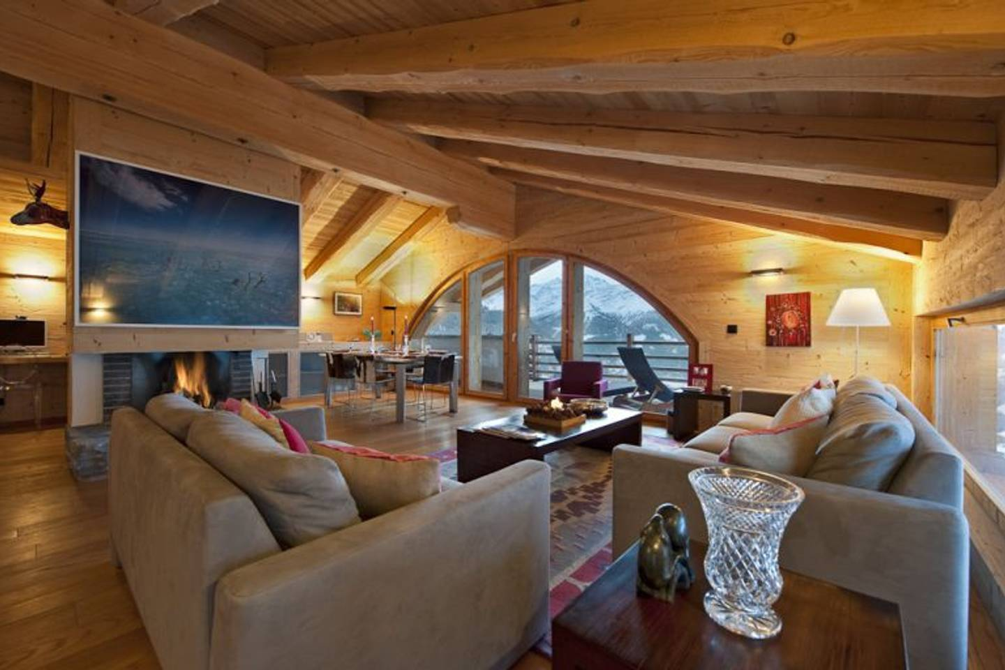 Spacious apartment with a breath-taking view photo 25978173