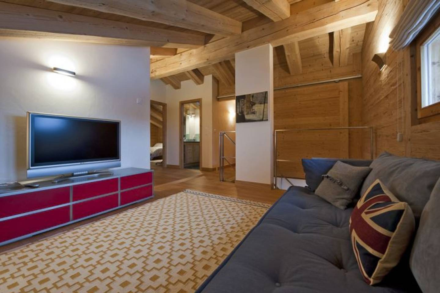 Apartment Spacious apartment with a breath-taking view photo 25978181
