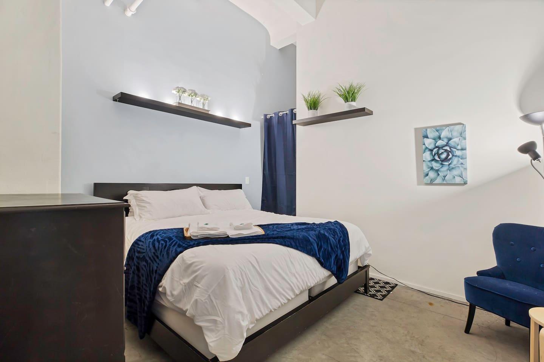 Apartment Gorgeous WashAve Loft Walkable  photo 16981262