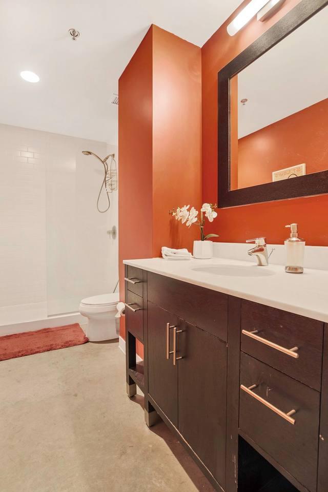 Apartment Gorgeous WashAve Loft Walkable  photo 16960795
