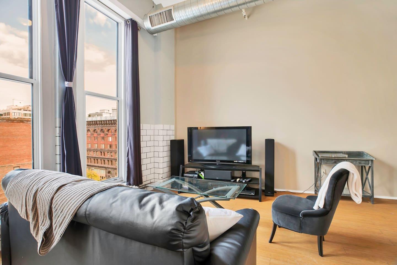 Apartment Gorgeous WashAve Loft Walkable  photo 17072471
