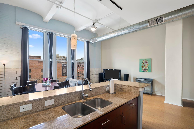 Apartment Gorgeous WashAve Loft Walkable  photo 17028508