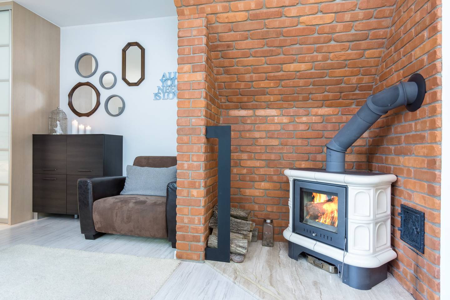 Cozy apartment with a fireplace photo 28394187