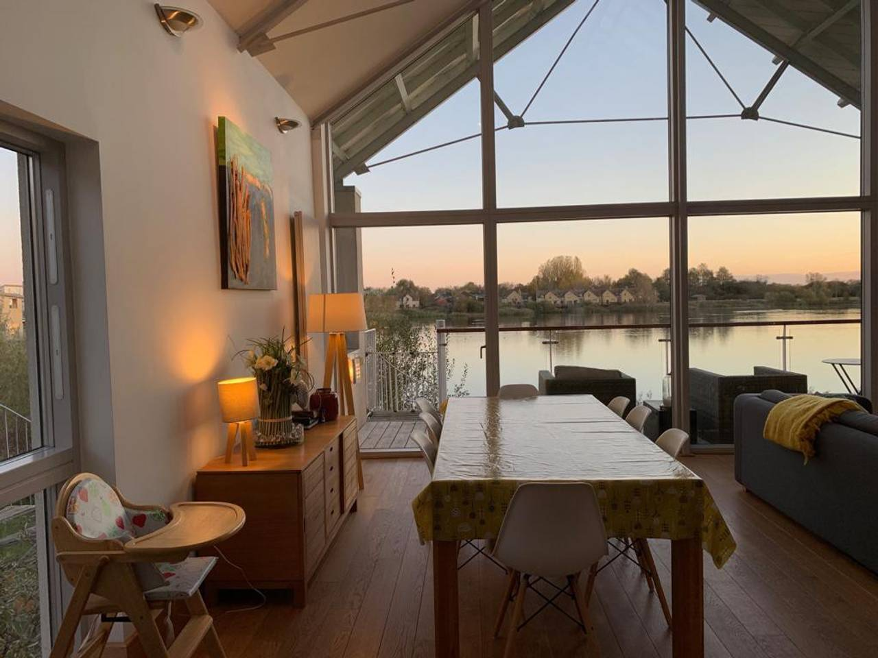 Amazing 3 BR Detached House with Beautiful Lake Views photo 16554016