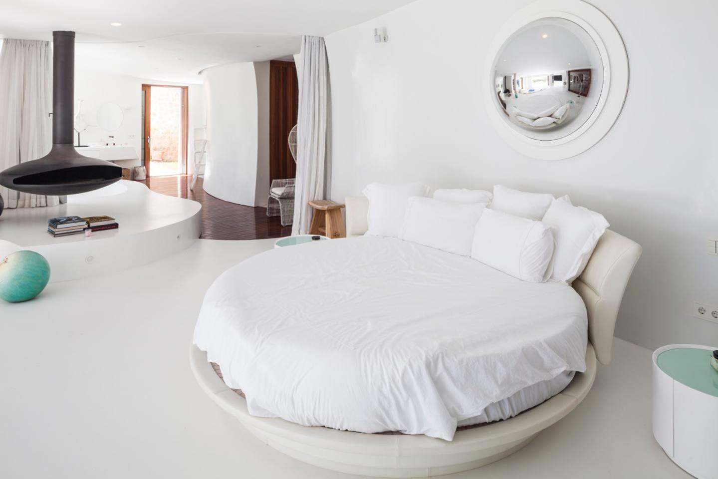 Sensational Villa with a huge infinity pool photo 23926478
