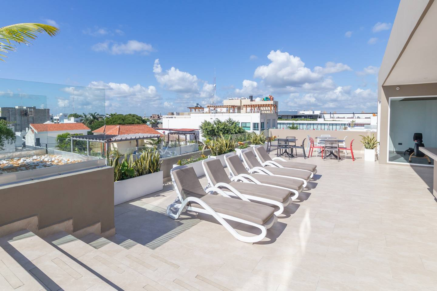 Trendy Apartment/ Gym/Pool/Steps to the Beach photo 5705282