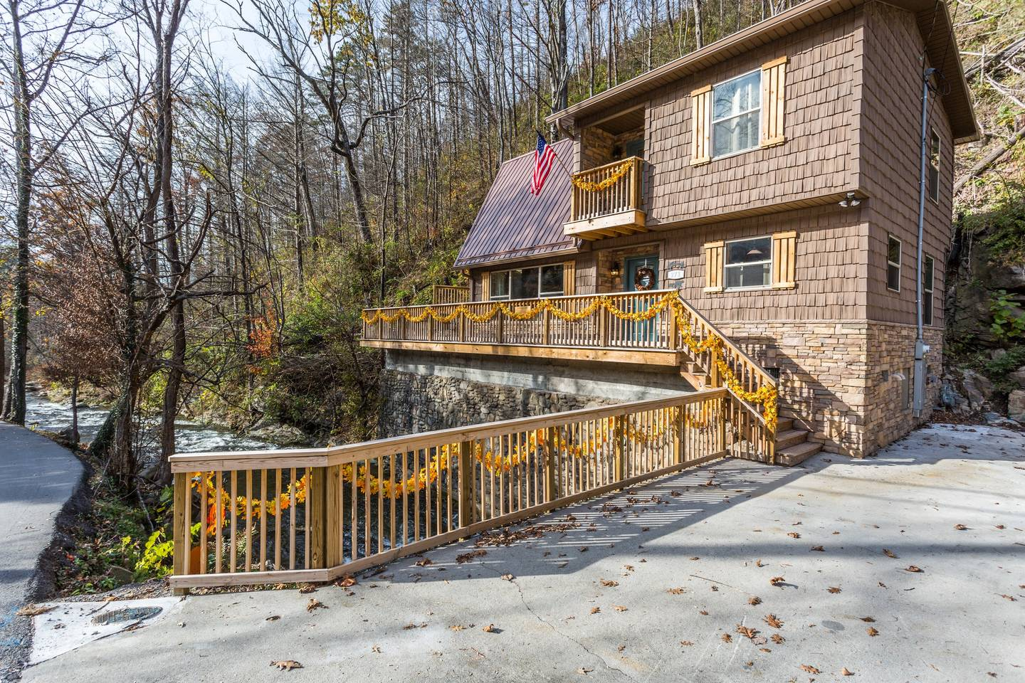 Apartment On Roaring Fork Walk 2 DwTn Gatlinburg Hot Tub photo 18600135