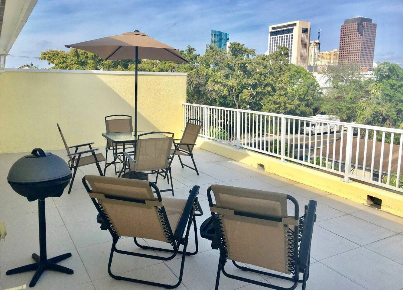 4 Bedroom House Close to Everything In FLL #906 photo 16318352