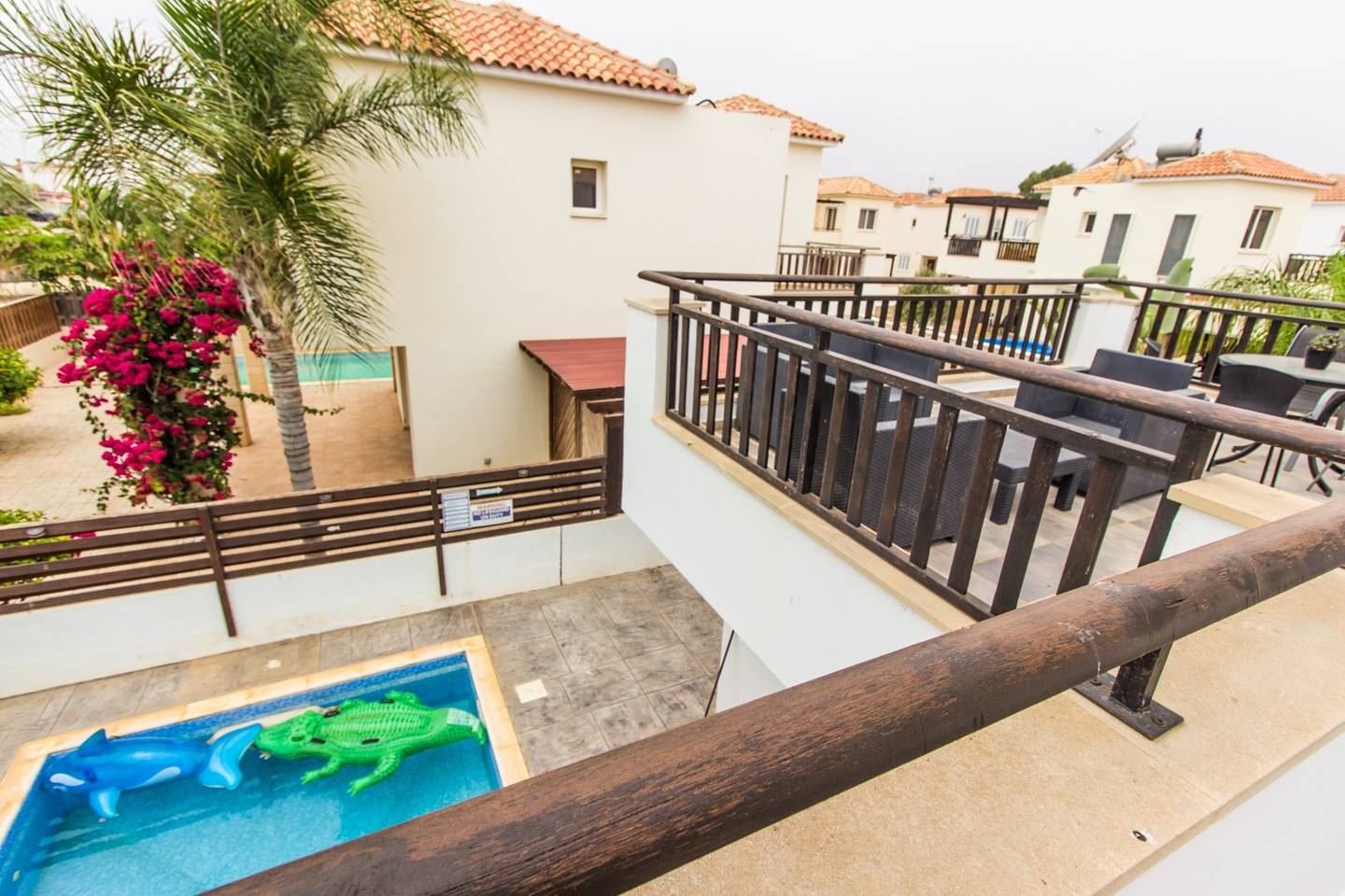 Apartment Modern 3 Bedroom Villa with Large Private Pool photo 18209633