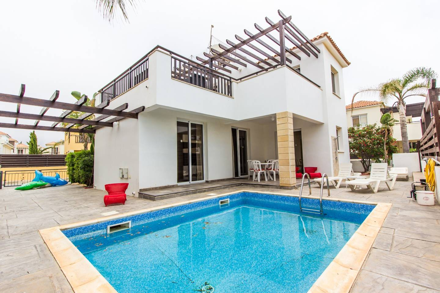 Apartment Modern 3 Bedroom Villa with Large Private Pool photo 18409696