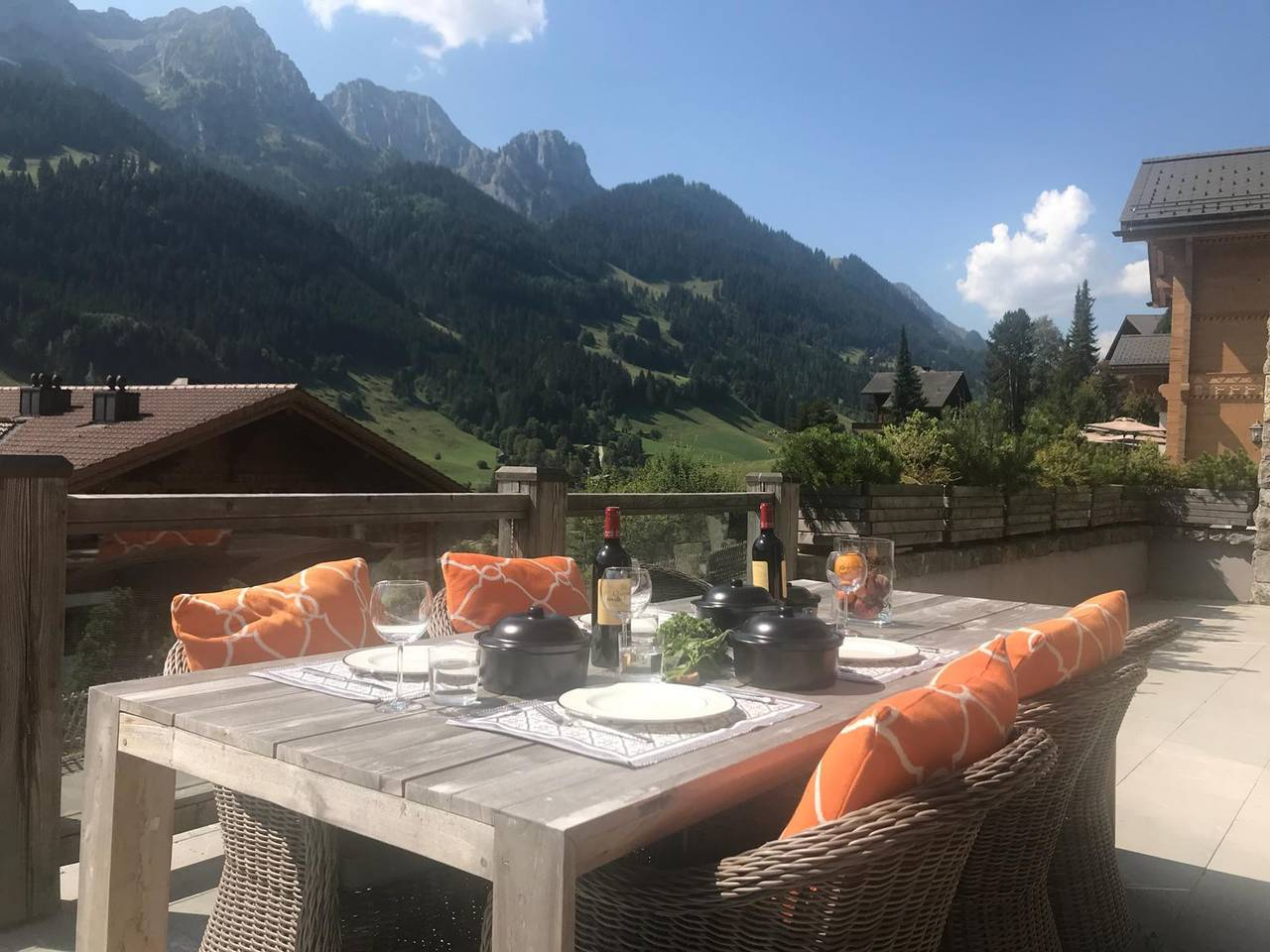 Super Luxury Serviced Apartment next to Gstaad photo 25938921