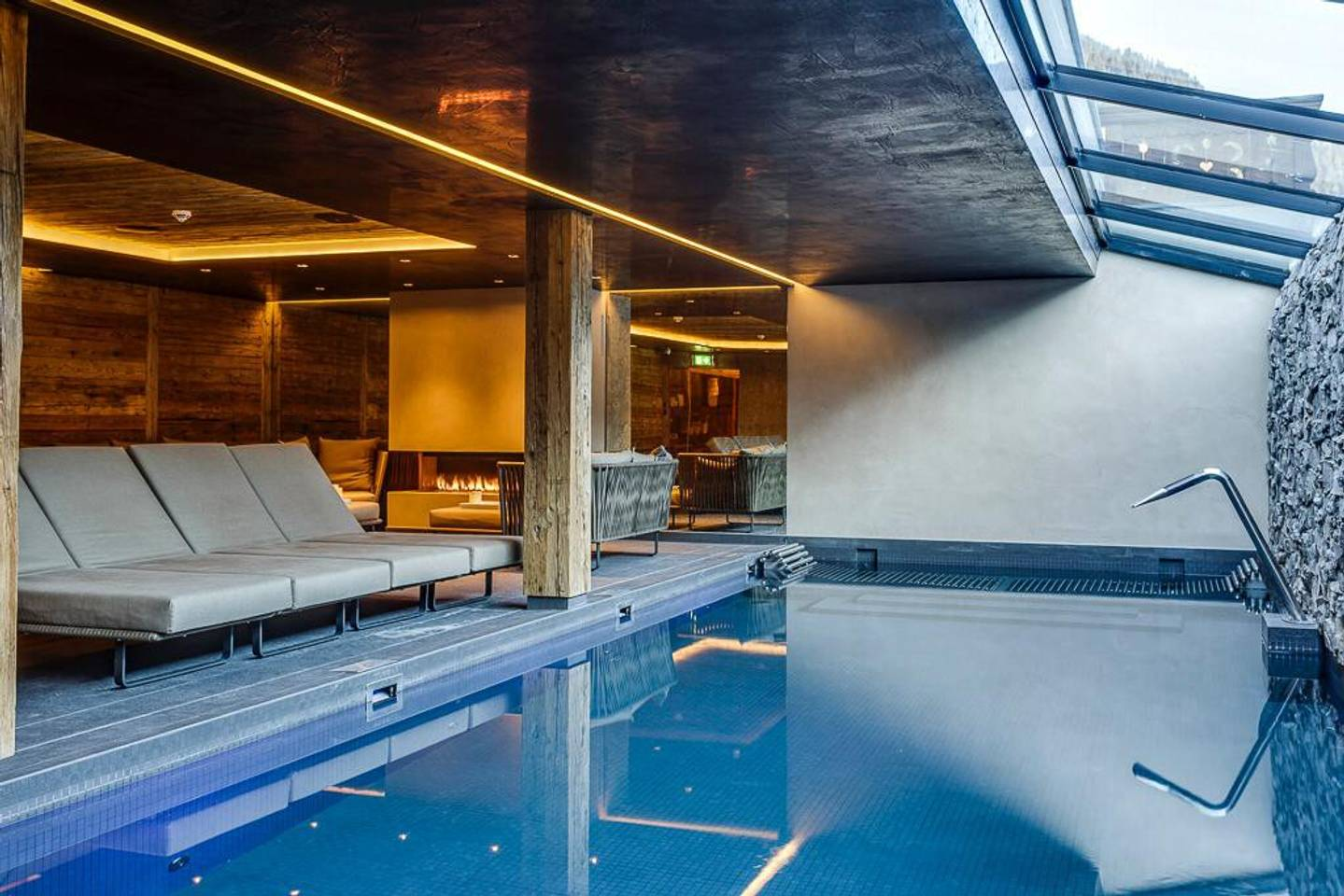 Super Luxury Serviced Apartment next to Gstaad photo 25610271
