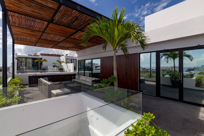 Elegant condo/ Ocean view rooftop terrace photo 5756759