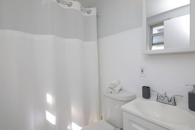 Beautiful Waterfront Apartment in MIAMI BEACH! photo 5724393