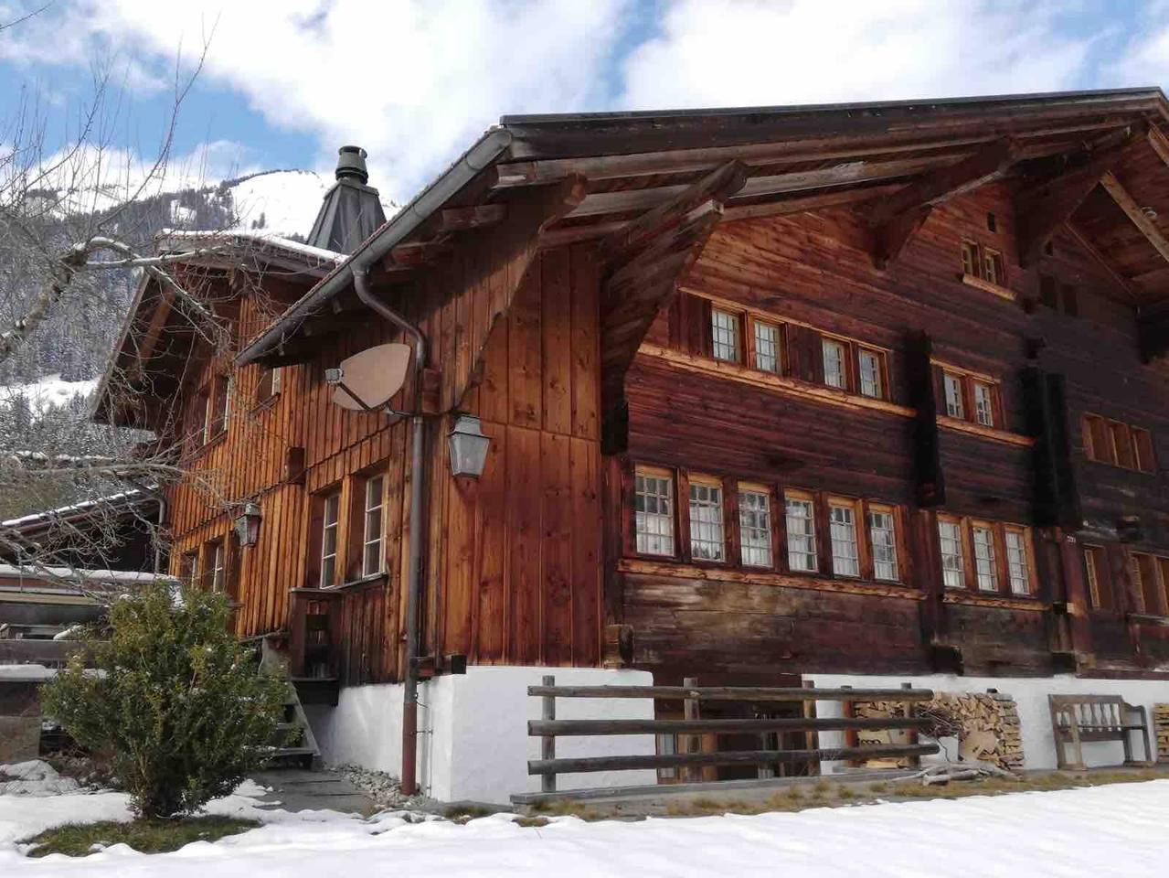 Fantastic Cozy Chalet Right next to Famous Gstaad photo 25602881