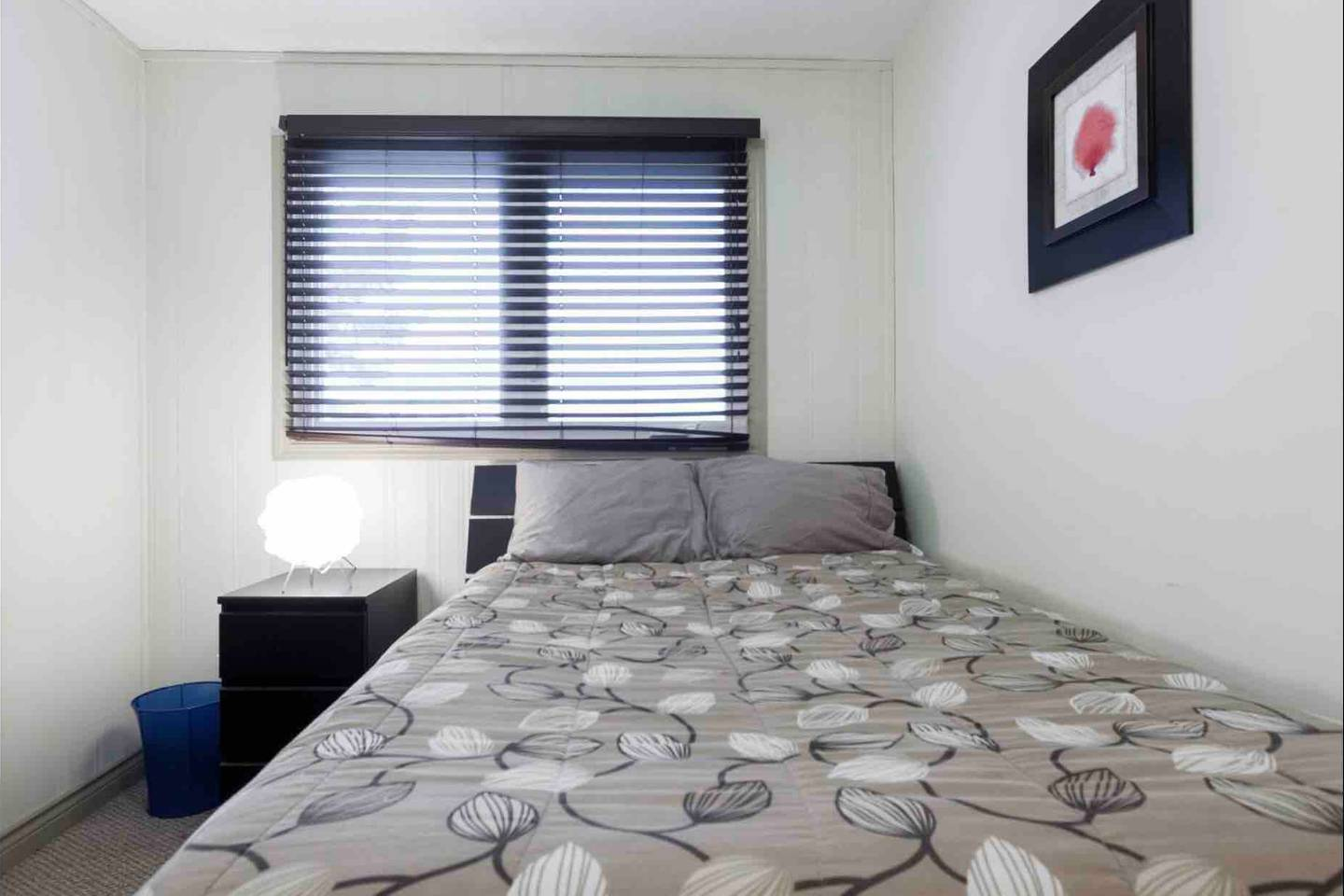 Apartment REST EASY - 6 MINS FROM WEST ED MALL - 3 BEDROOMS photo 18409938