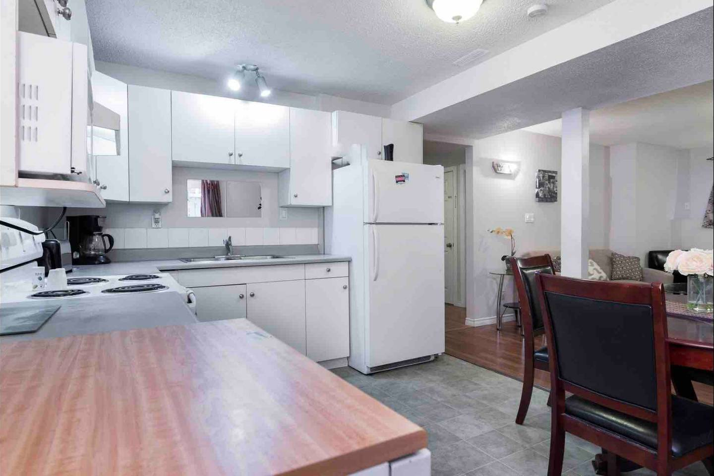 Apartment 2 BEDROOM BASEMENT SUITE  WALK TO WEST ED   MORE  photo 18724752