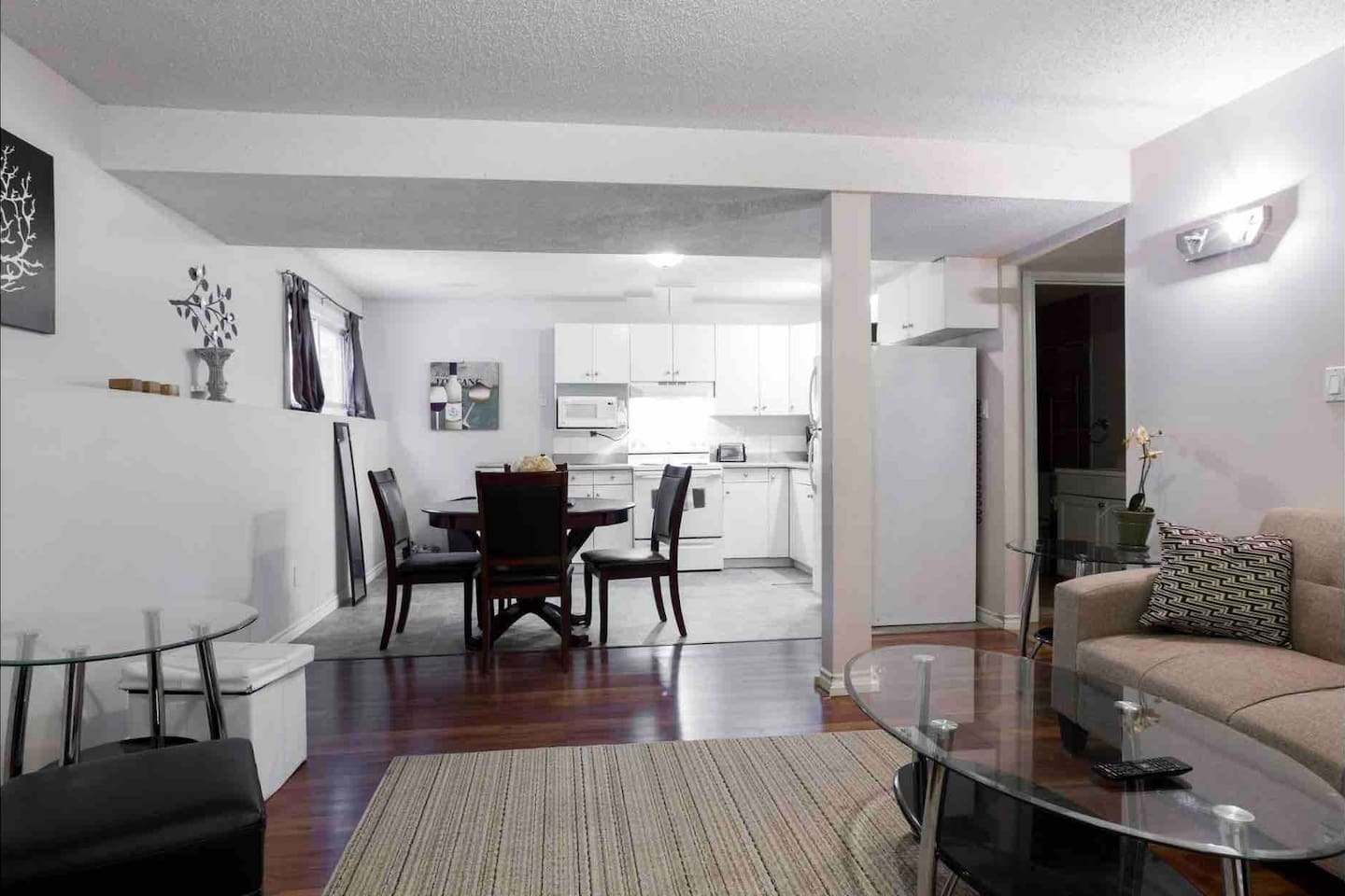 Apartment 2 BEDROOM BASEMENT SUITE  WALK TO WEST ED   MORE  photo 23675978