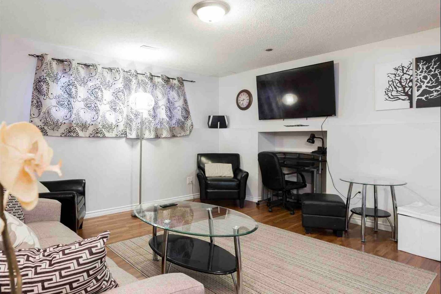 Apartment 2 BEDROOM BASEMENT SUITE  WALK TO WEST ED   MORE  photo 18836264