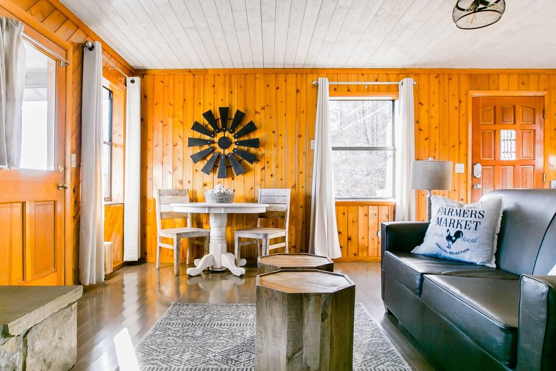 Apartment Admire Stunning Mountain Views at a Calm  Cozy Cabin photo 18402044