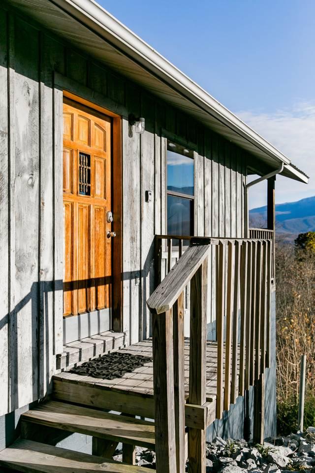 Apartment Admire Stunning Mountain Views at a Calm  Cozy Cabin photo 18644318