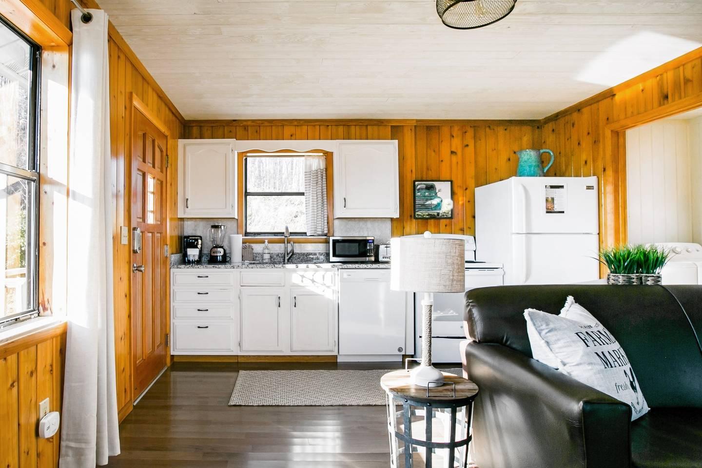 Admire Stunning Mountain Views at a Calm, Cozy Cabin photo 18644308