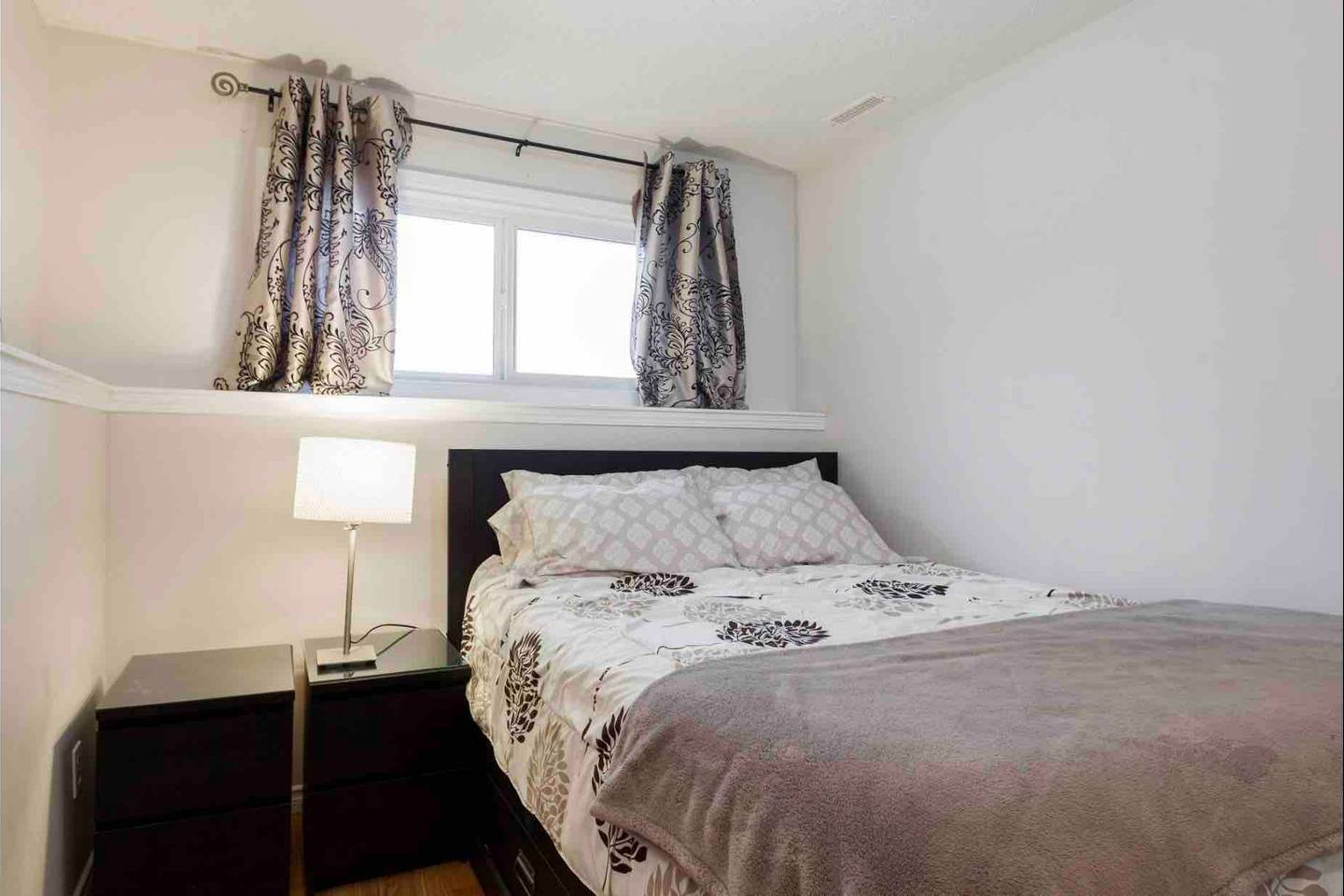 Apartment 2 BEDROOM BASEMENT SUITE  WALK TO WEST ED   MORE  photo 18836266